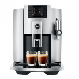 Robot café JURA E8 Moonlight Silver et 3 paquets de 250g de café en grains et 2 verres expresso Cafés Richard 8cl
